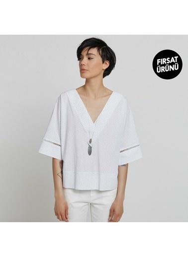 Yargıcı Kadın V Yaka Geniþ Kesim Bluz 9KKGM6110X Beyaz